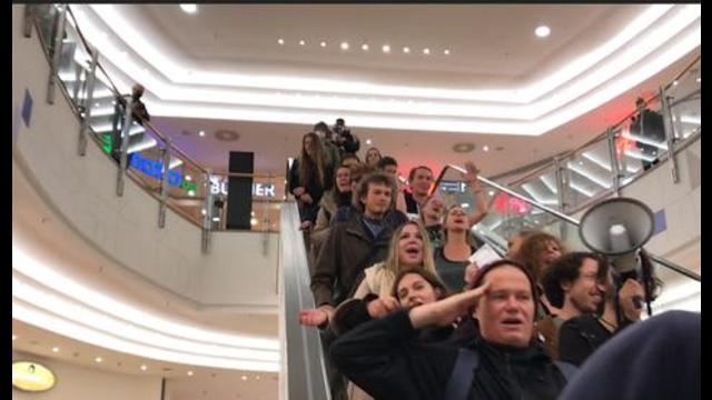 Zweite maskenlos Shopping- und Partytour von renitenten Feier-Biestern in Berlin am 24.10.20